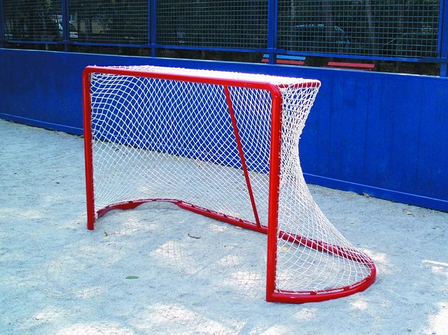 хоккейные ворота из металлической арматуры